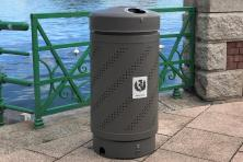 Juppiter wastepaper bin for separated collection and rodenticide kit